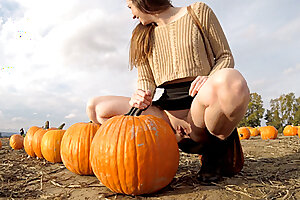 PREVIEW - Public upskirt demonstrating at the pumpkin patch