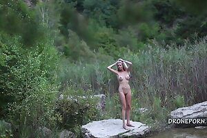Nude Klarka in nature