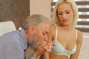 DADDY4K. Grey-haired man can sate blonde teen princess