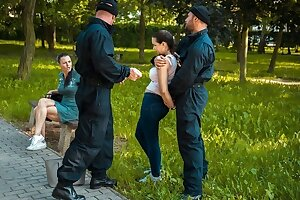 LAW4k. Policeman instructs young girl that stealing is very